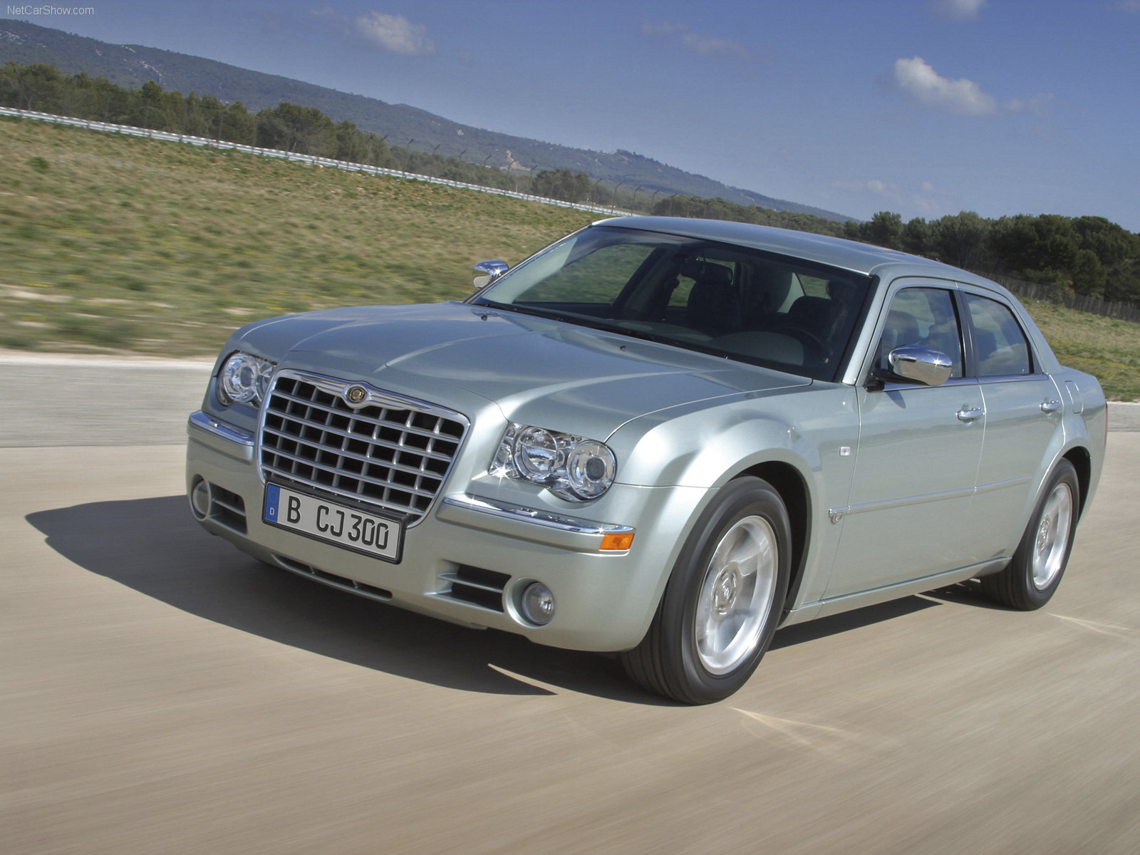 Chrysler 300C Sedan 2005