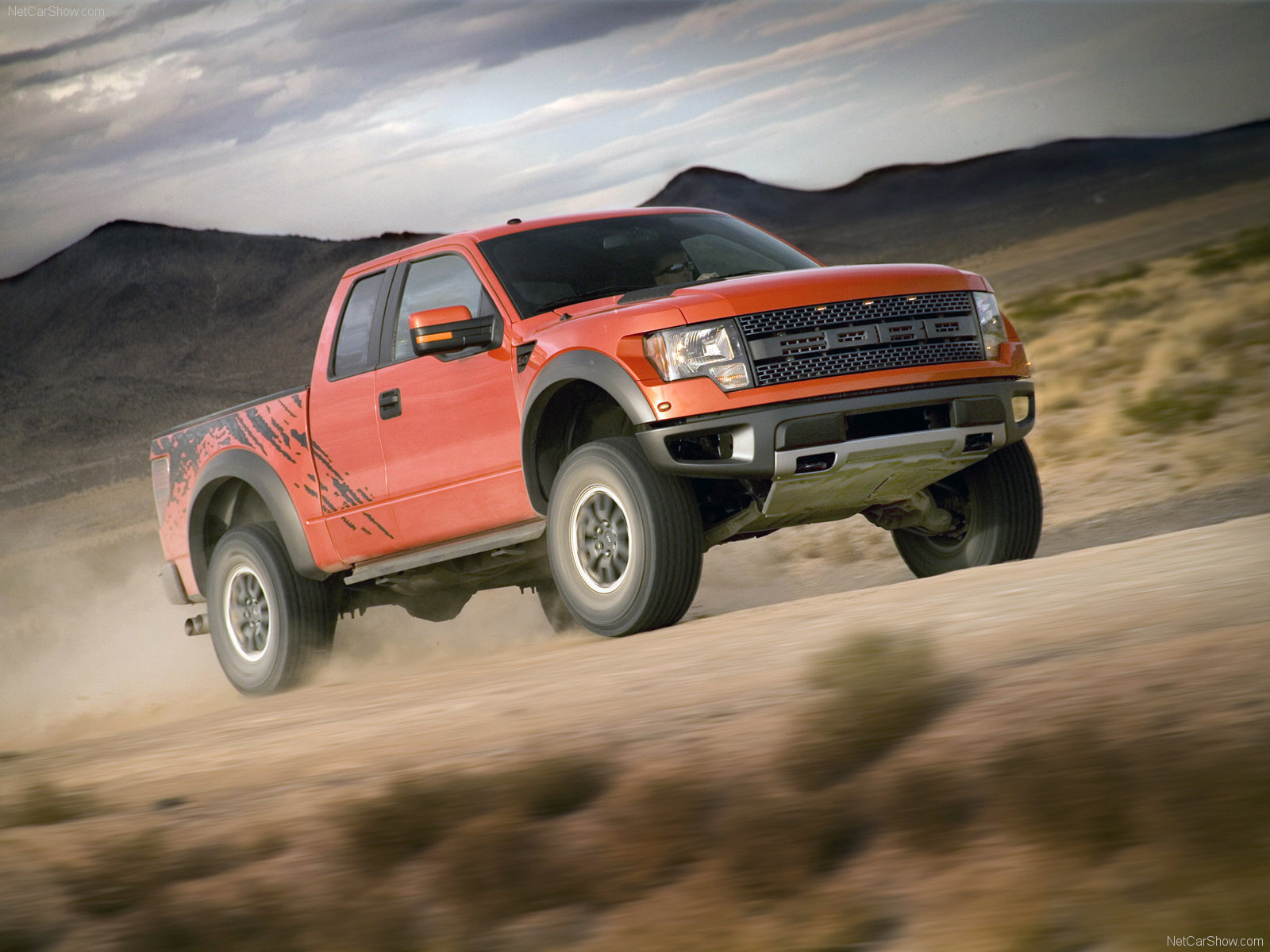 Ford F-150 SVT Raptor SuperCab Truck 2013