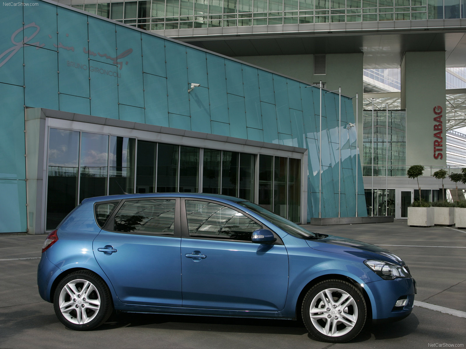 Kia Ceed 5 Door Hatchback 2011