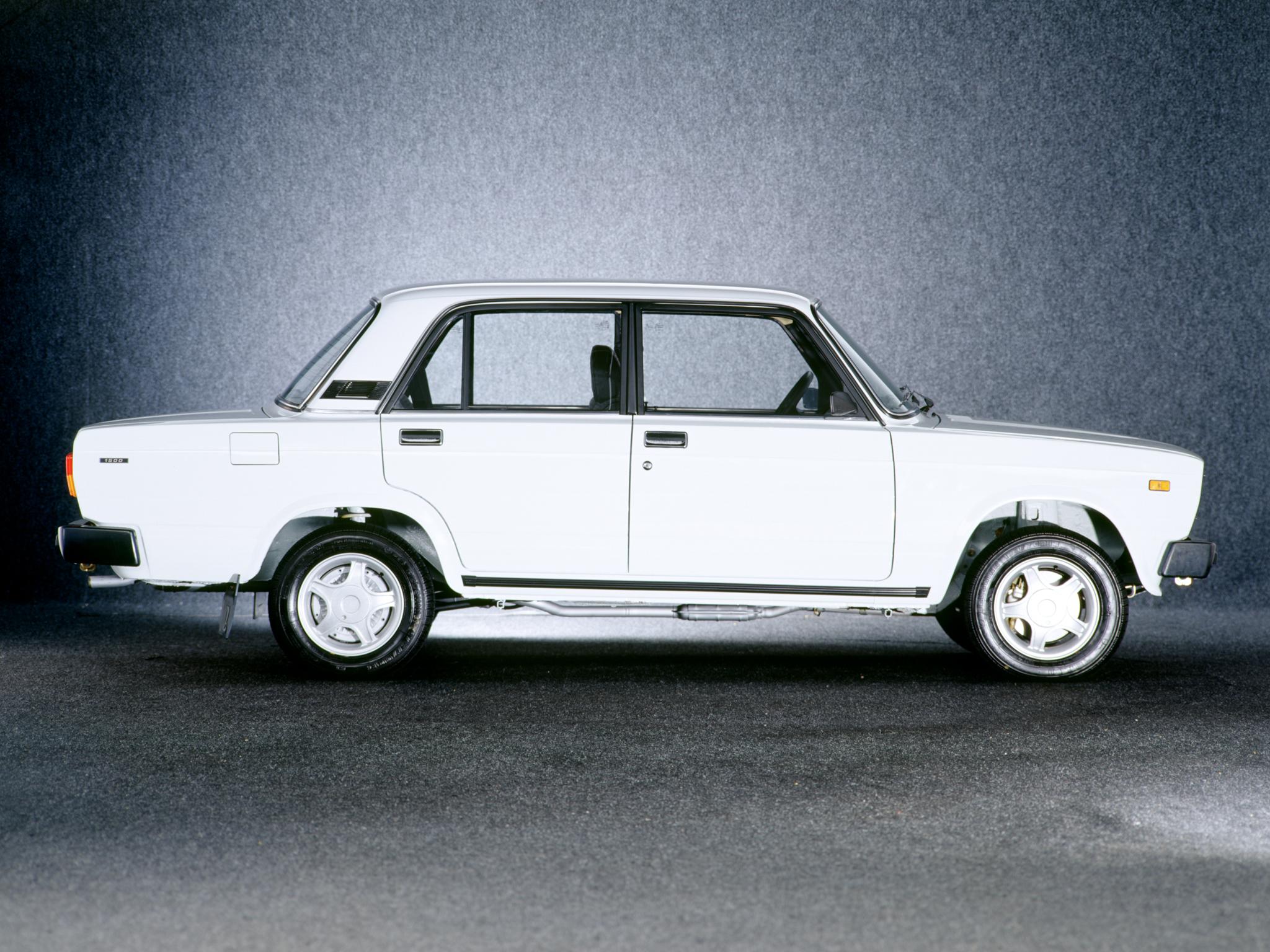 ... Lada 2105 Sedan 1979 ...
