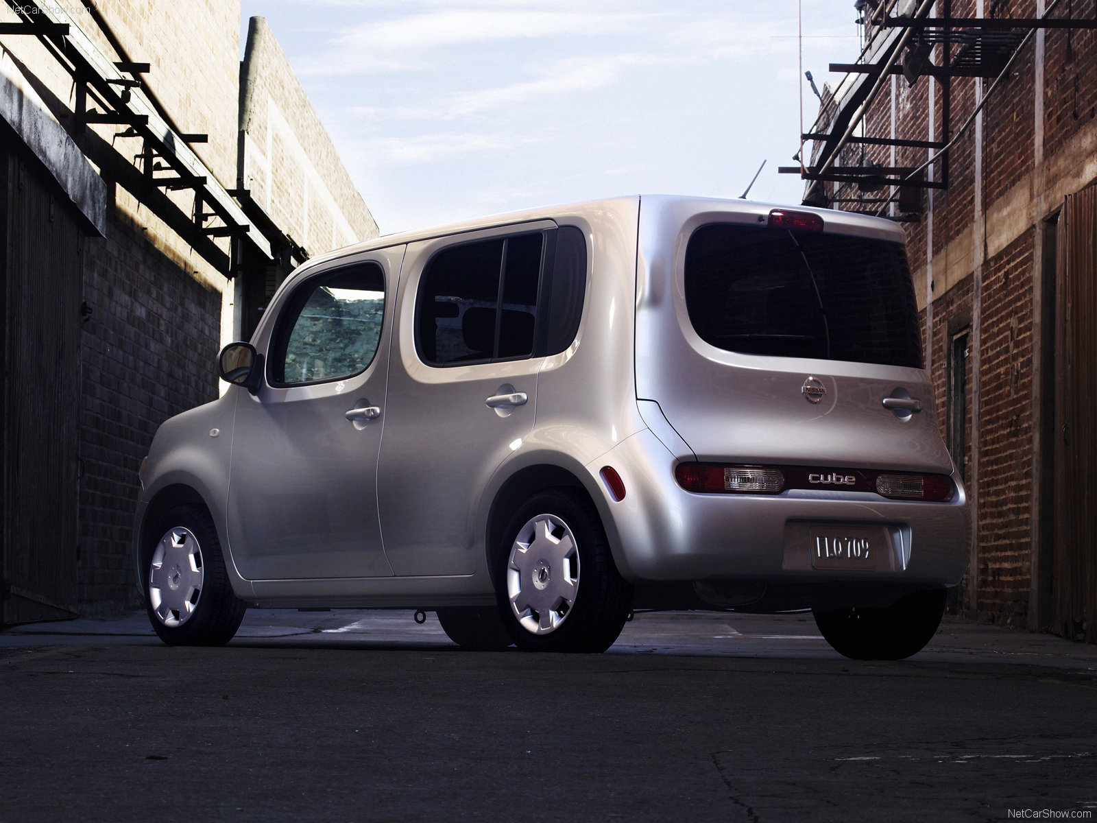 3dtuning of nissan cube van 2010 unique on. Black Bedroom Furniture Sets. Home Design Ideas