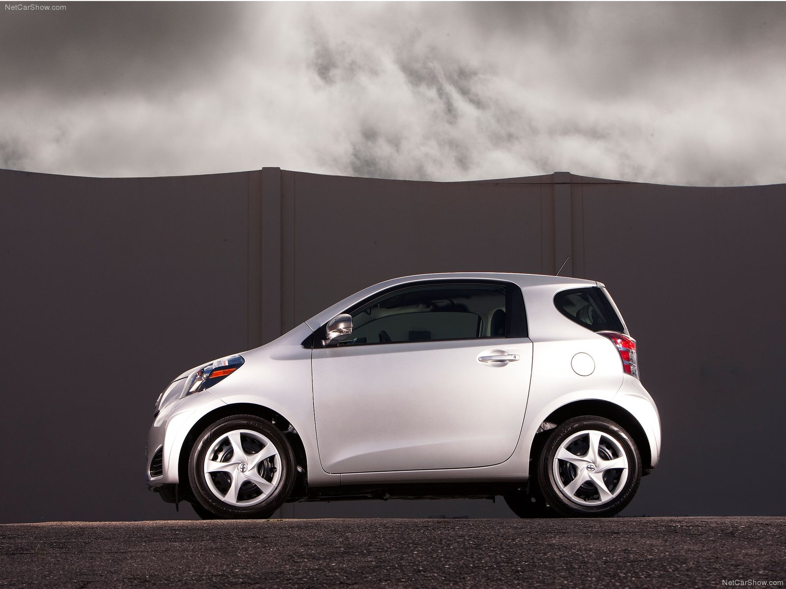 Scion IQ 3 Door Hatchback 2014