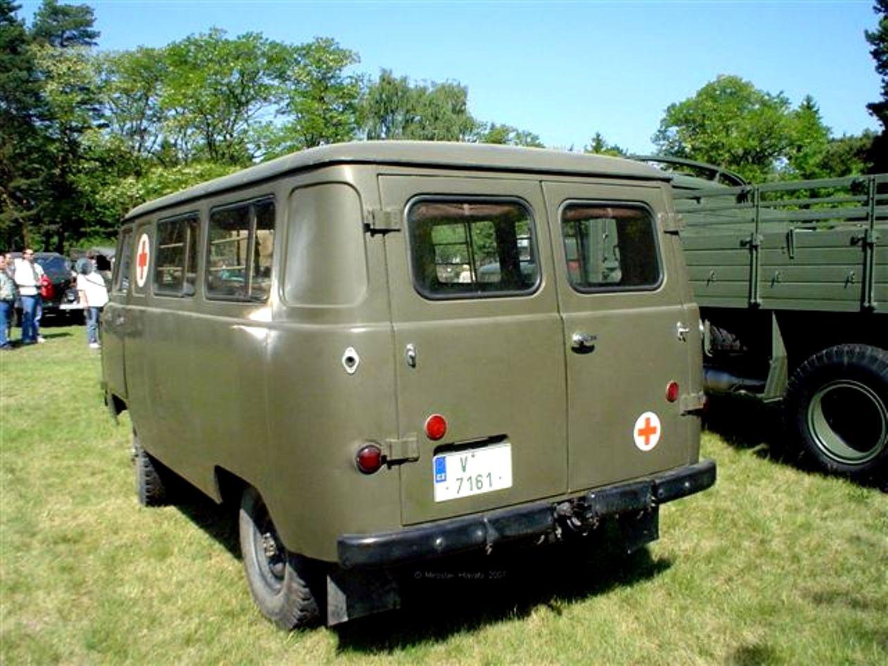 ... UAZ 452 Van 1965 ...