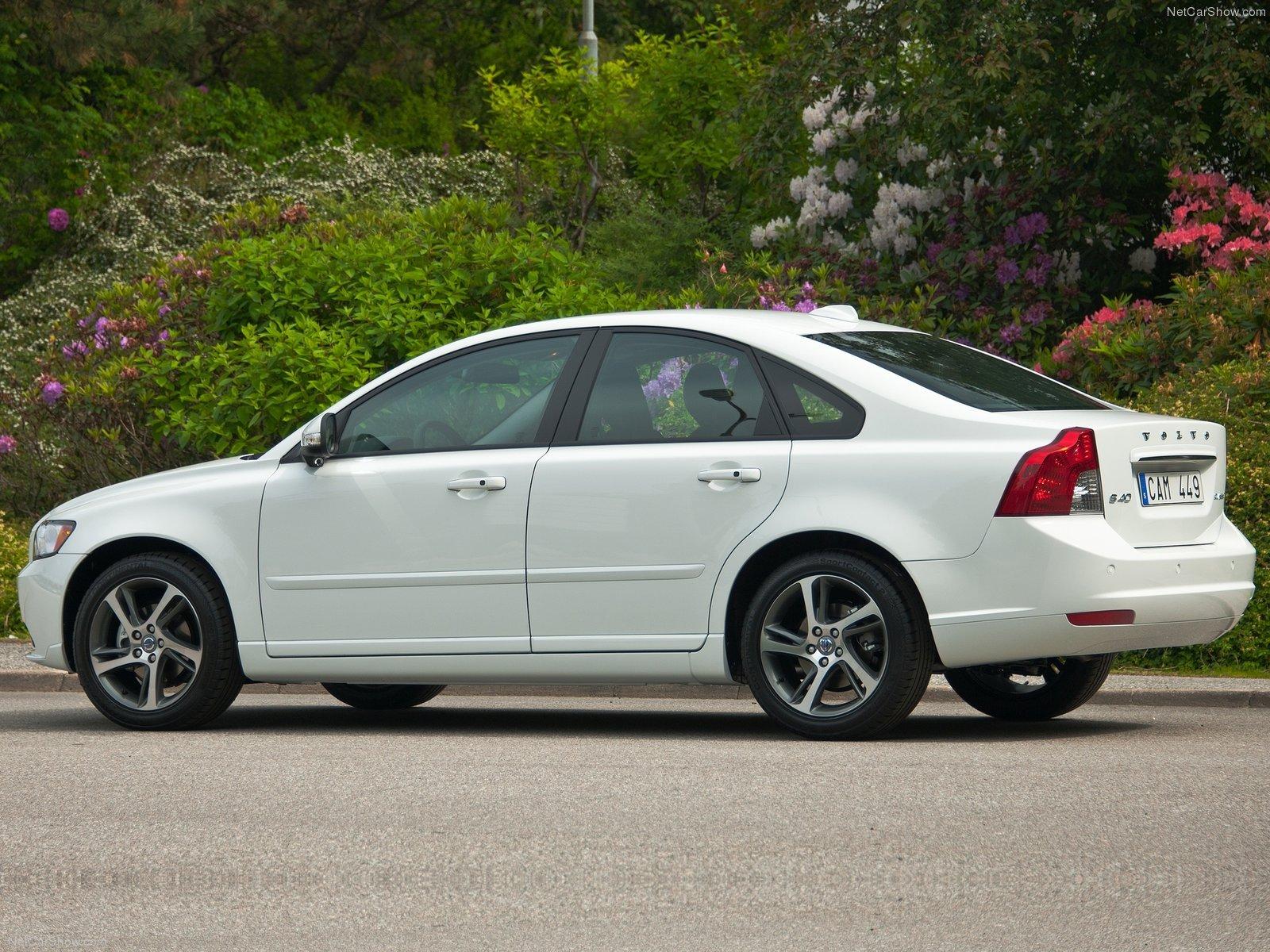 volvo s40 sedan 2011